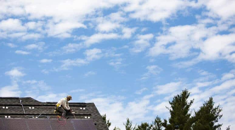 Rooftop solar installer and solar panels